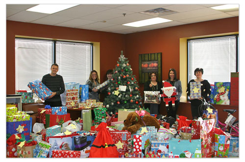 Canon employees collected gifts for local children in need during the holiday season