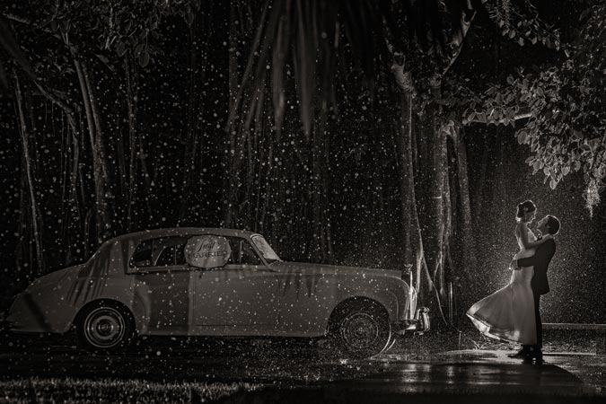 Canon See Impossible - Roberto Valenzuela - Rainy Wedding